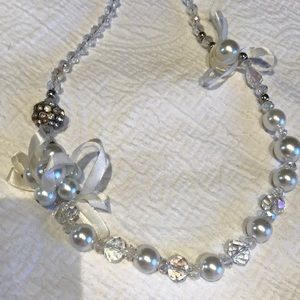 Jewelry - Beautiful White and Crystal Clear Beaded Necklace